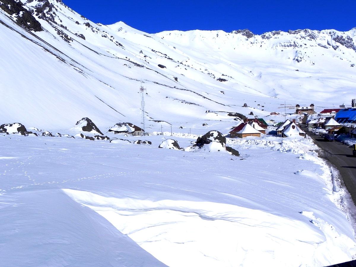 Casi 2 metros de nieve se acumularon en Las Cuevas. Foto: Cumbres