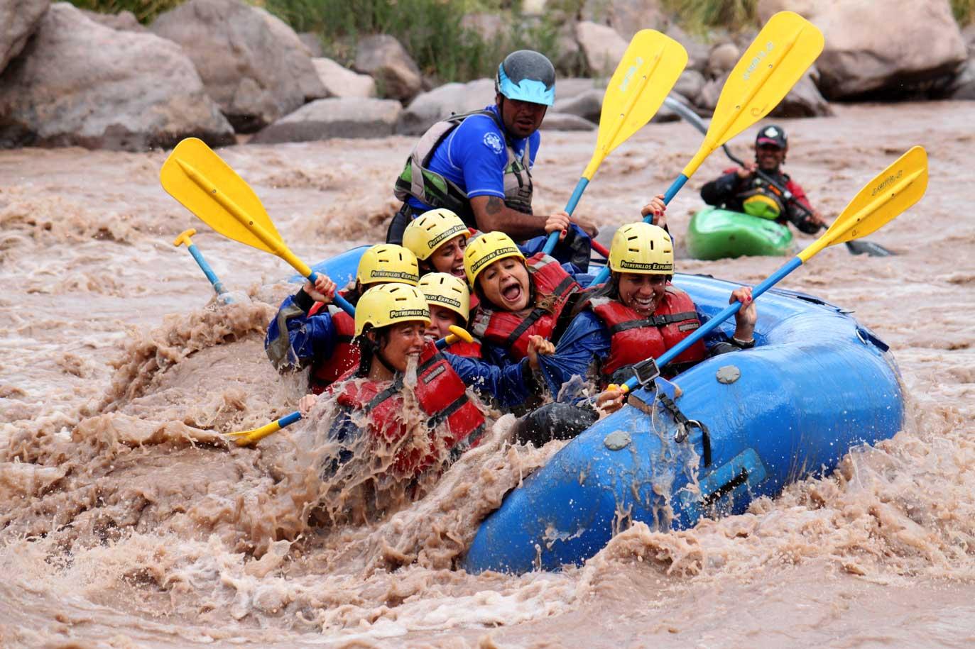Algunos sectores del río Mendoza son realmente turbulentos.