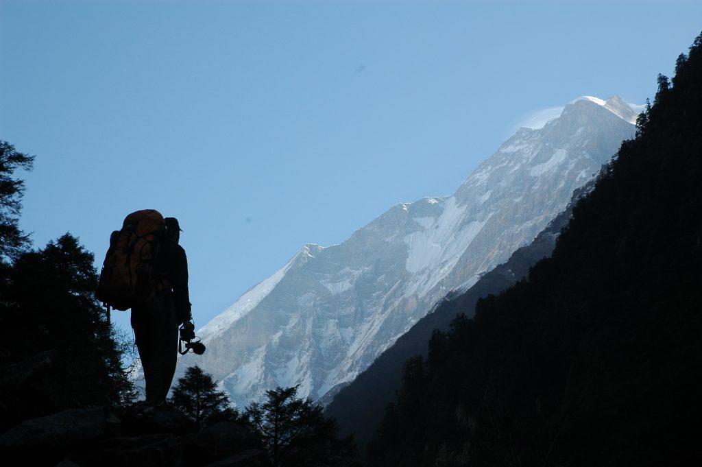Una de las imágenes del documental con el Dhaulagiri ya a la vista.