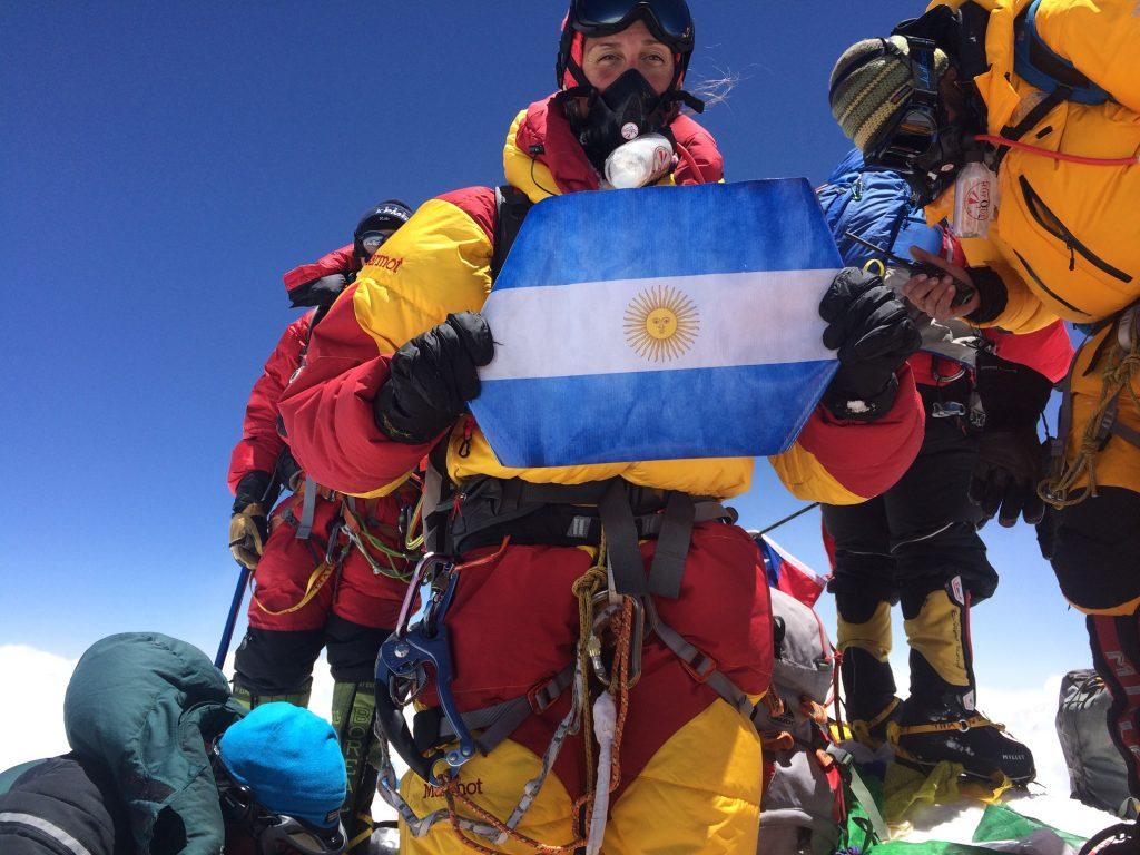 El logro más postergado, Laly Ulhela en la cumbre más alta del planeta, Everest.