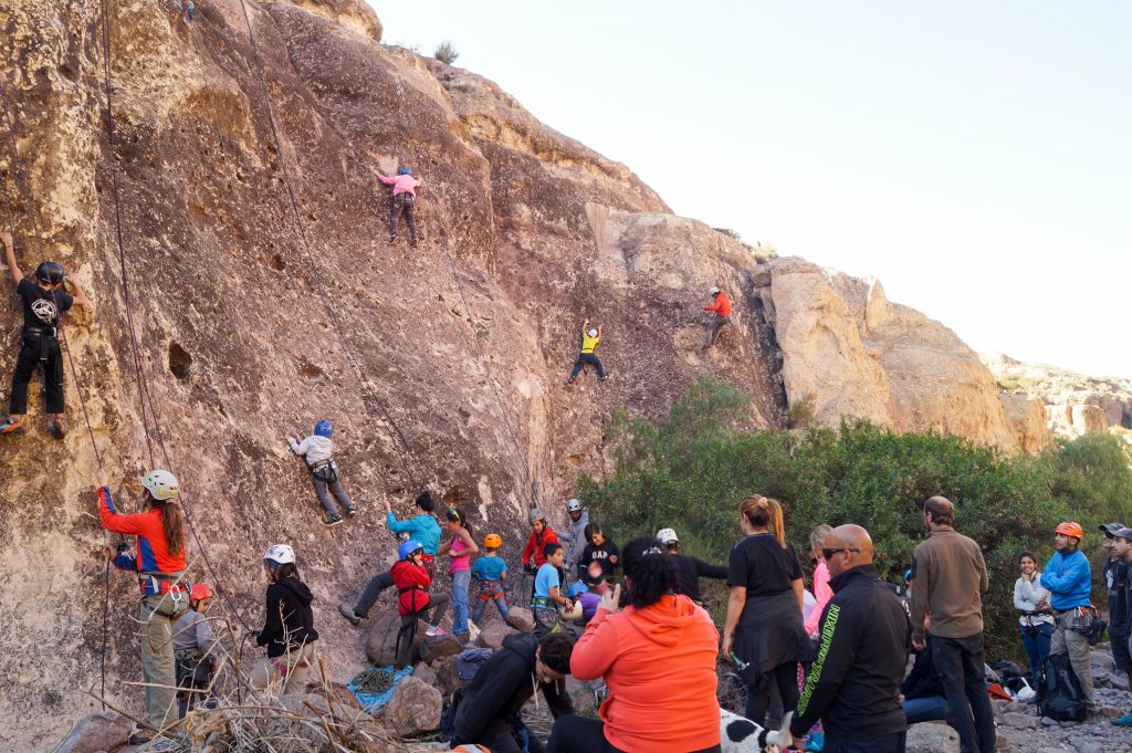 Escalada en roca es una de las actividades del Club El Sosneado.