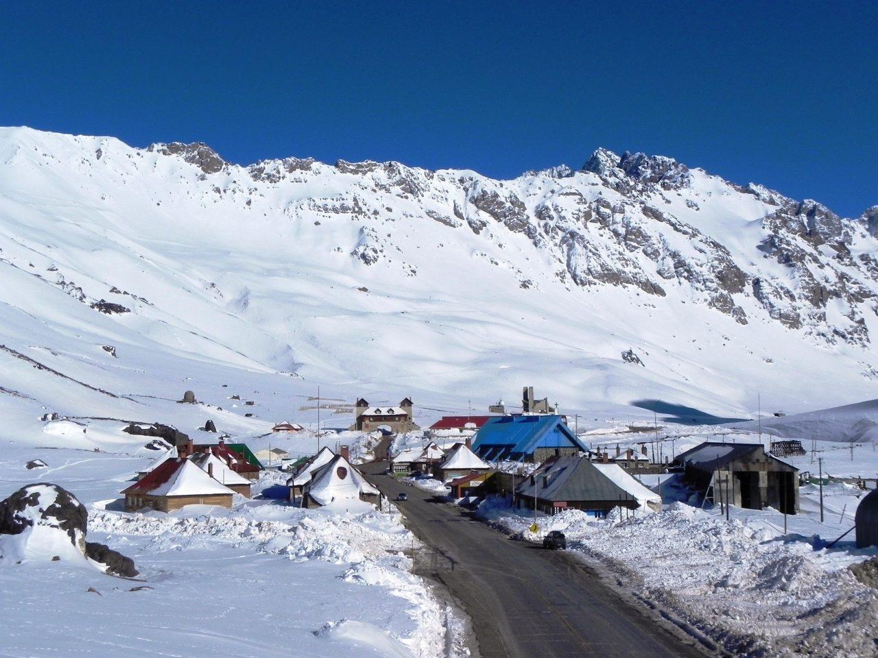 Las Cuevas está en el programa Pueblos Auténticos y busca convertirse en el gran centro de montaña de los Andes centrales.
