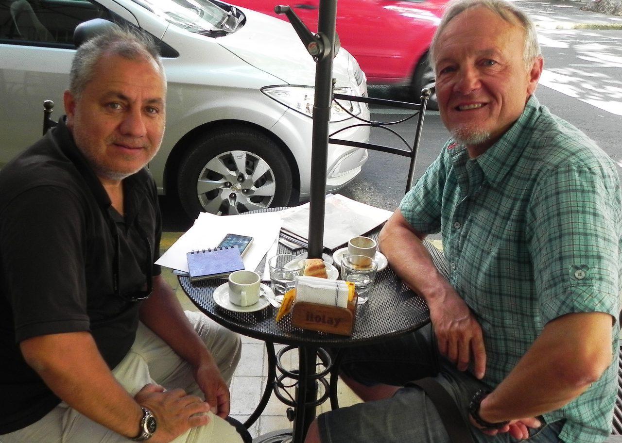El aragonés compartió café y diálogo en Mendoza con un cronista de Cumbres.